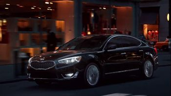 Kia Cadenza TV Spot, 'Impossible to Ignore: Flash' Song by David Bowie - Thumbnail 5