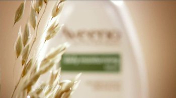 Aveeno Daily Moisturizing TV Spot, 'Hydration' Feat. Jennifer Anniston - Thumbnail 4