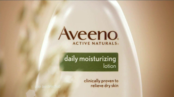 Aveeno Daily Moisturizing TV Spot, 'Hydration' Feat. Jennifer Anniston - Thumbnail 5