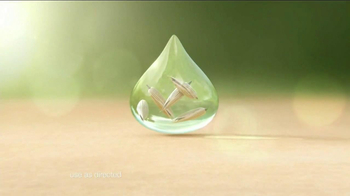 Aveeno Daily Moisturizing TV Spot, 'Hydration' Feat. Jennifer Anniston - Thumbnail 6