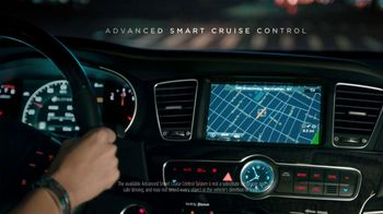 Kia Cadenza TV Spot, 'Luxury Features' Song by David Bowie - Thumbnail 8