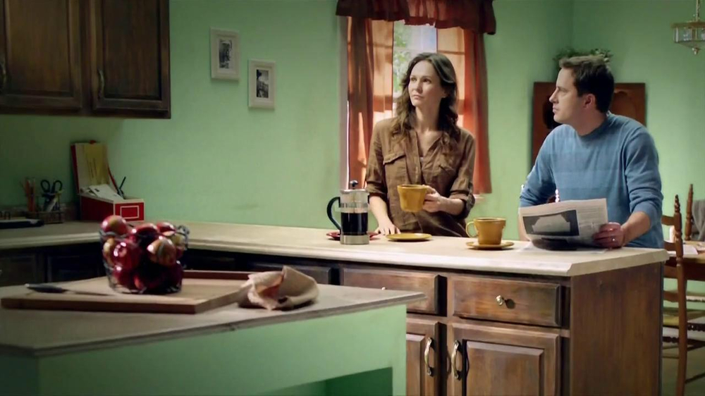 Rust-Oleum Transformations TV Commercial, 'Old Kitchen, New Idea'