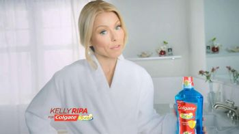 Colgate Total Adavanced Mouthwash TV Spot, 'Beach' Ft. Kelly Ripa - Thumbnail 2