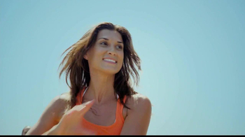 One A Day Women's Pro Edge TV Spot, 'Beach' - Thumbnail 3