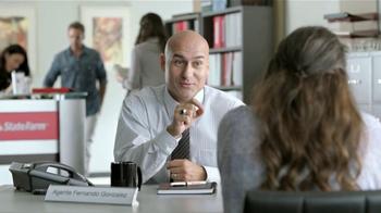 State Farm TV Spot, 'Estado de Sorpresa' Con Carlos Ponce [Spanish] - Thumbnail 2