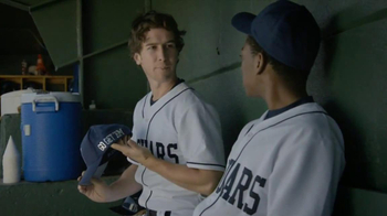 Capital One TV Spot, 'Baseball Banter: Bedazzled' - Thumbnail 4