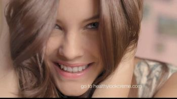 L'Oreal Healthy Look Creme Gloss TV Spot, 'Boost' Featuring Barbara Palvin