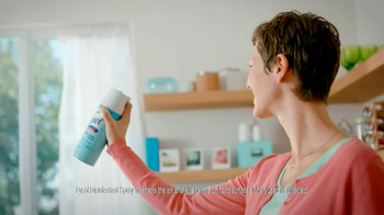 Lysol Disinfectant Spray TV Spot, 'Perfuming vs Healthing' - Thumbnail 7