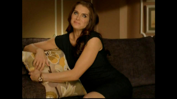 La-Z-Boy Bonus Coupon Sale TV Spot, 'No Pressure Zone' Feat. Brooke Shields - Thumbnail 5