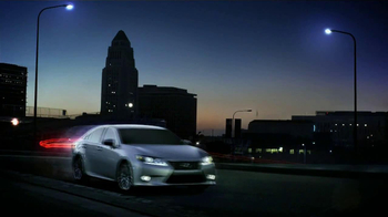 Lexus ES 350 TV Spot, 'Lights' - Thumbnail 9