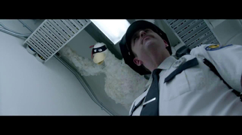 Foster Farms American Humane Certified TV Spot, 'Secret Agent Chickens' - Thumbnail 4