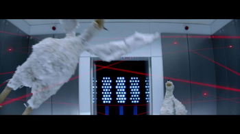 Foster Farms American Humane Certified TV Spot, 'Secret Agent Chickens' - Thumbnail 7