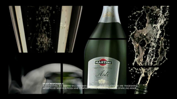 Martini and Rossi Asti TV Spot, 'Fountain' - Thumbnail 10