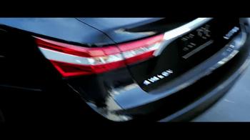 2013 Toyota Avalon TV Spot, 'Mission' Featuring Idris Elba - Thumbnail 7