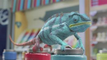 Valspar Signature TV Spot, 'Chameleons: It Says Blue' - Thumbnail 8