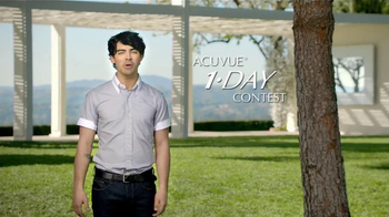 ACUVUE 1-Day Contest TV Spot, Featuring Joe Jonas - Thumbnail 4