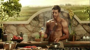 Kraft Zesty Italian Anything Dressing TV Spot, 'Burning Shirt' - Thumbnail 10