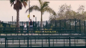 Head Instinct TV Spot, 'Baseball' Featuring Maria Sharapova, Novak Djokovic - Thumbnail 5