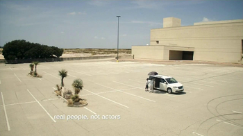 FebrezeCar Vent Clip TV Spot, 'In the Desert' - Thumbnail 5