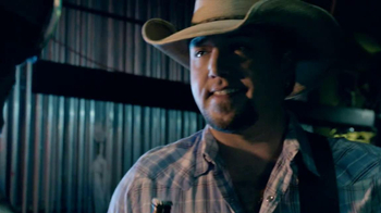 Coors Light TV Spot, 'Avalanche' Featuring Jason Aldean - Thumbnail 8