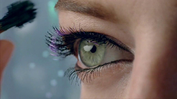 Revlon Lash Potion Mascara TV Spot Featuring Emma Stone - Thumbnail 8