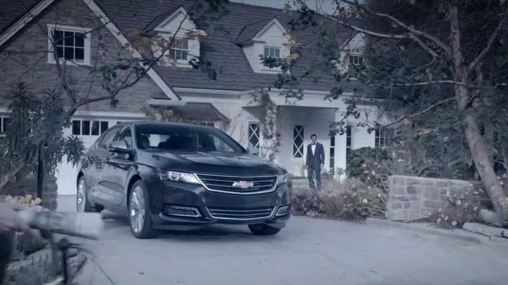 2014 Chevrolet Impala TV Commercial, 'Drive-In Theater' Song by Frank Sinatra