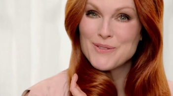 L'Oreal Superior Preference TV Spot Featuring Julianne Moore - Thumbnail 9