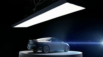 Lincoln MKZ Hybrid TV Spot, 'Harmony from Chaos' - Thumbnail 5