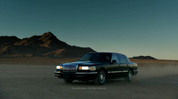 Lincoln MKZ Hybrid TV Spot, 'Harmony from Chaos' - Thumbnail 8