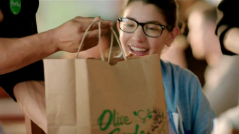 Olive Garden TV Spot, 'Buy One, Take One' - Thumbnail 10