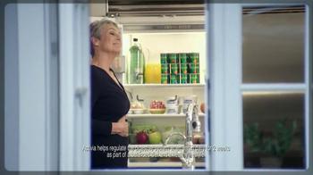 Activia Greek TV Spot, 'Greek Affair' Featuring Jamie Lee Curtis - Thumbnail 6