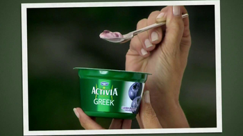 Activia Greek TV Spot, 'Greek Affair' Featuring Jamie Lee Curtis - Thumbnail 8