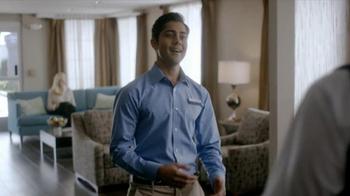 Hampton Inn & Suites TV Spot, 'Weekend Suit' - Thumbnail 1