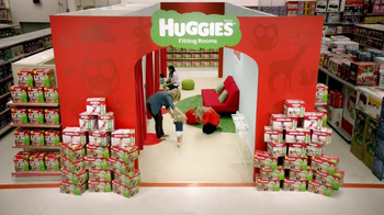 Huggies Slip-On TV Spot, 'Diaper Aisle Fitting Room' - Thumbnail 9