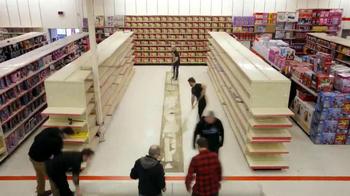 Huggies Slip-On TV Spot, 'Diaper Aisle Fitting Room' - Thumbnail 2