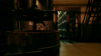 Bank of America TV Spot, 'Wine' Song by Eric Burden and War - Thumbnail 6