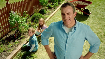 Preen Mulch Plus TV Spot, 'Building Character' - Thumbnail 10