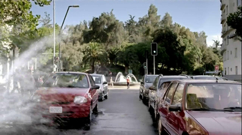 Lipton 100% Natural TV Spot, 'Traffic' Song by Givers - Thumbnail 1