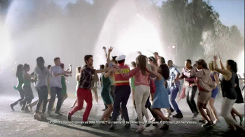 Lipton 100% Natural TV Spot, 'Traffic' Song by Givers - Thumbnail 9