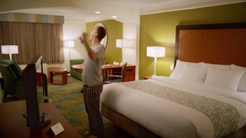 LaQuinta Inns and Suites TV Spot, 'Outside the Box' - Thumbnail 3