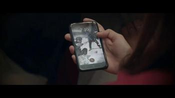 Facebook Home TV Spot, 'Family Dinner' - Thumbnail 6