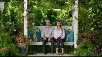 Miracle-Gro Liquafeed TV Spot, 'Bigger, Healthier, More Beautiful' - Thumbnail 3