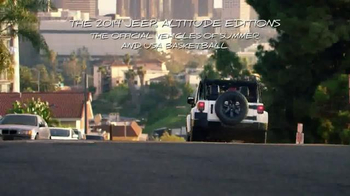 Jeep TV Spot, 'Lovers of the Game' Song by Michael Jackson - Thumbnail 10