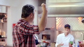 Pizza Hut Barbecue Pizzas TV Spot Featuring Blake Shelton - Thumbnail 10