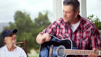 Pizza Hut Barbecue Pizzas TV Spot Featuring Blake Shelton - Thumbnail 5