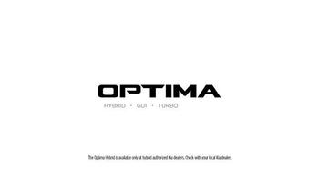 Kia Optima TV Spot, 'Looking Out' - Thumbnail 7