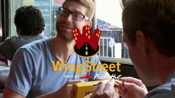Pizza Hut WingStreet TV Spot, 'Sports Bar Test' - Thumbnail 1