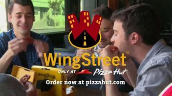 Pizza Hut WingStreet TV Spot, 'Sports Bar Test' - Thumbnail 10