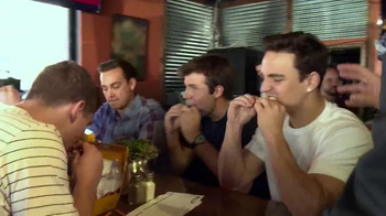 Pizza Hut WingStreet TV Spot, 'Sports Bar Test' - Thumbnail 4