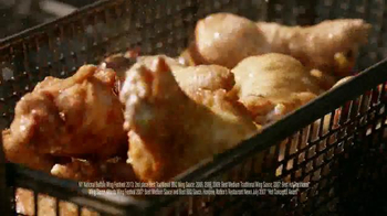 Pizza Hut WingStreet TV Spot, 'Sports Bar Test' - Thumbnail 5